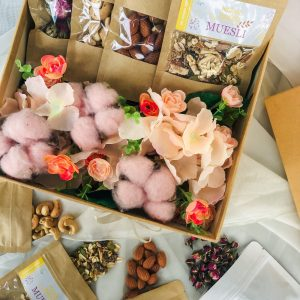 No-Guilt Munchies Blooming Gift Box